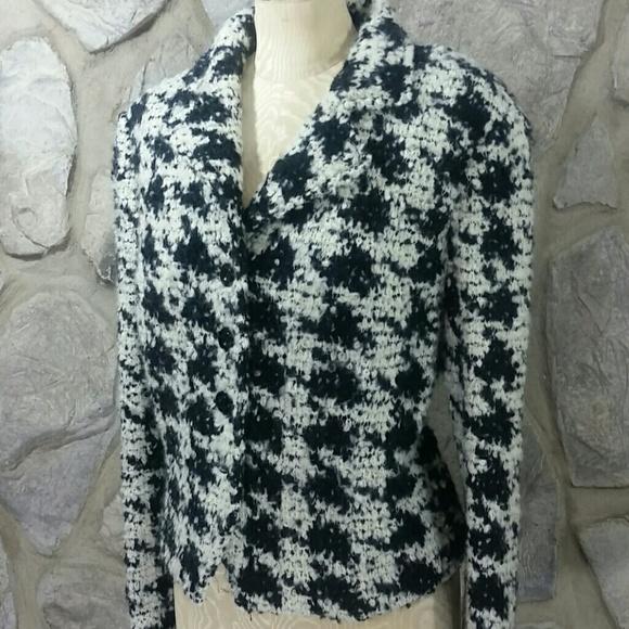 34581c874 ... Black   White Houndstooth Boucle Jacket. M 5c508307f63eea2a810c60da